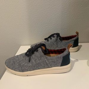 Toms Sneakers 5.5